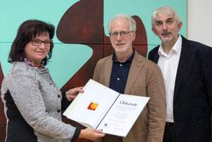 Überreichung des Adolf Peschek-Preises 2016 an Ernest A. Kienzl